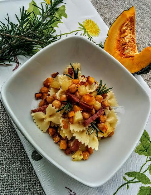 Farfalle zucca patate & salame