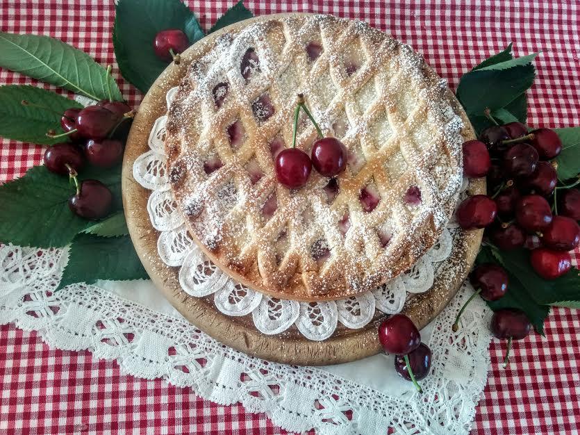 Crostata con ciliegie fresche ricotta & zenzero