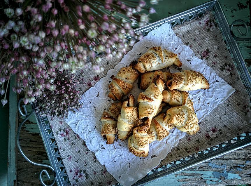 Cornetti salati con confettura di arance & cipolle rosse