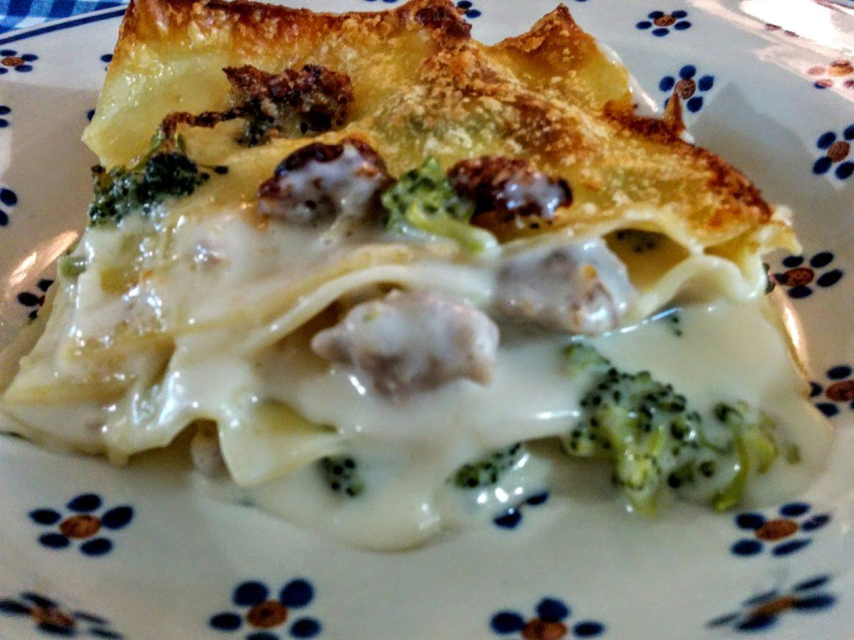 Lasagne al forno con broccoli & salsiccia