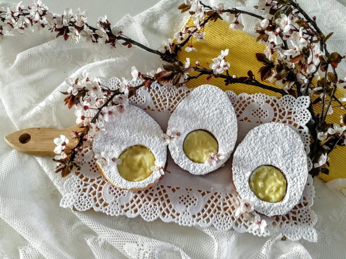 Biscotti a forma di uovo