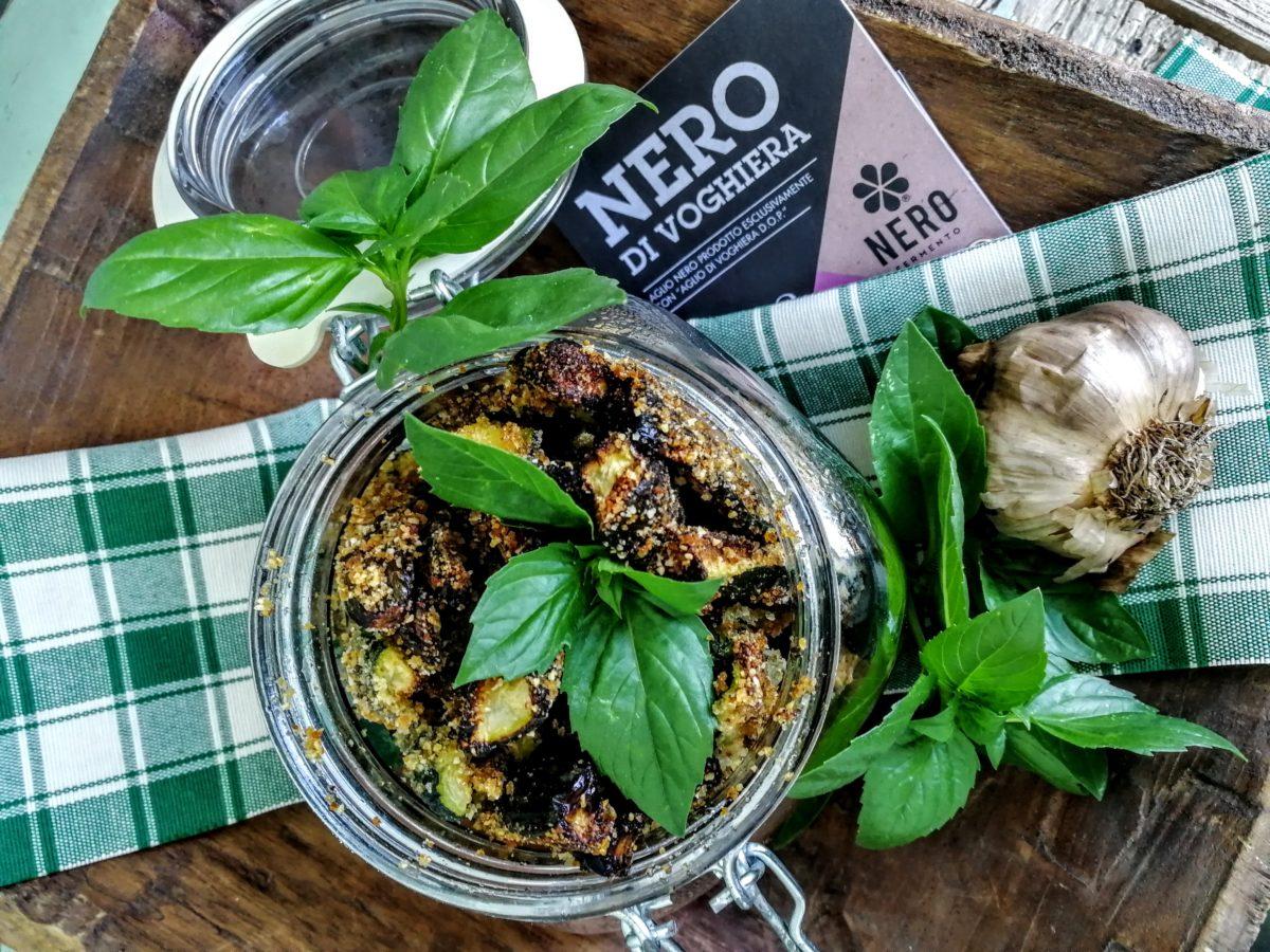 Stick di zucchine con menta & aglio nero