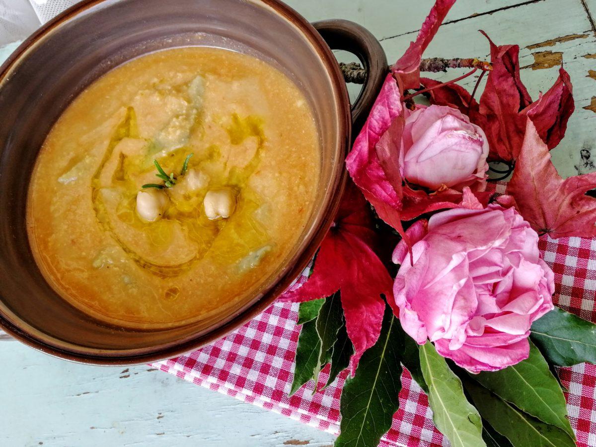 Zuppa di ceci con maltagliati alla borragine